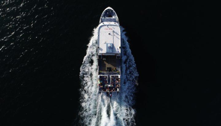 photo aérienne du bateau Melvan