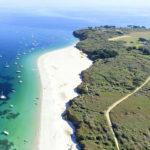 vue aérienne côte de l'île de Groix
