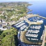 vue aérienne du port de l'île de Groix